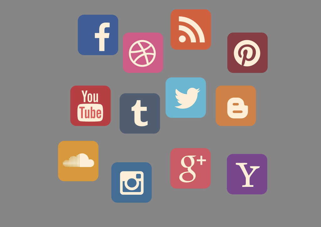 Social media marketing - logos